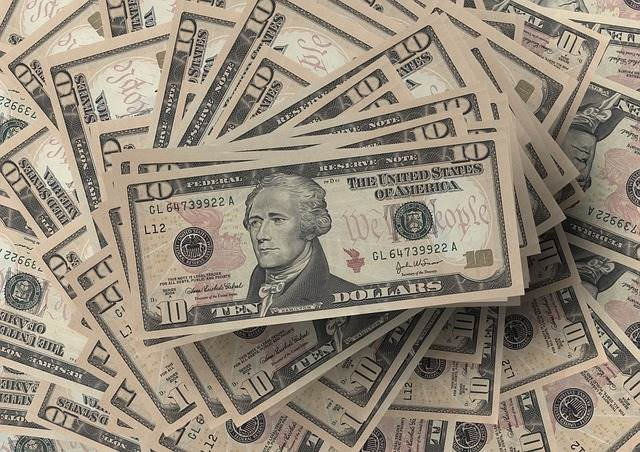 US Dollar Mixed Despite Congressional Stalemate